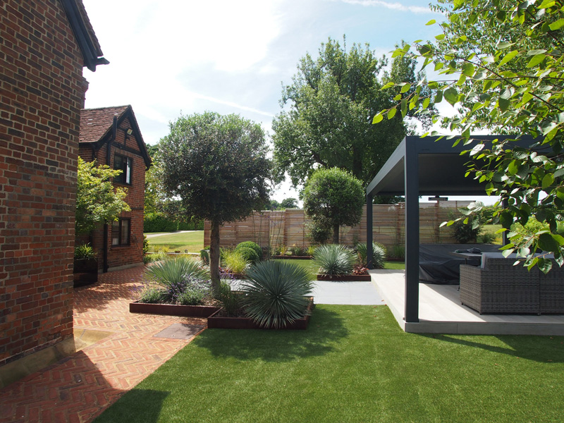 garden design & makeovers in Surrey and London